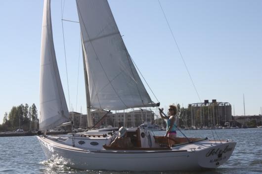 Sol y Luna sails the Estuary